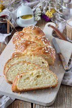Easter braid recipe - Easter braid without yeast (curd cheese curd / quark braid) as an alternative to the classic Easter braid with yeast. // Easter Yeast Wreath - Strietzel recipe-braided yeast past Pastry Recipes, Cheese Recipes, Baking Recipes, Bread Recipes, Cookie Recipes, Baking Desserts, Cheese Curds, Macaron, Fritters