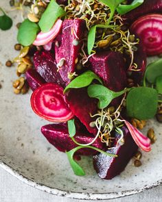 Beetroot salad with lentil sprouts. A colorful salad as a vitamin boost.