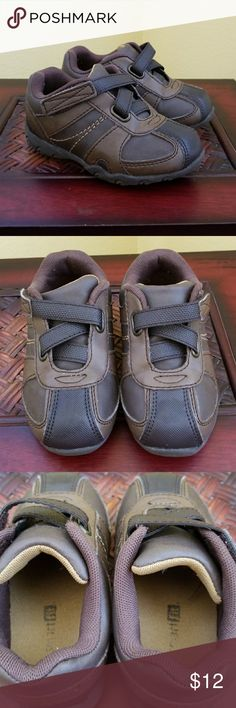 Toddler Boys Shoes Excellent condition, looks new, brown velcro casual shoes for toddler boys. Can be dressed up too. SmartFit by Payless. See my closet for more baby shoes. Payless Shoes