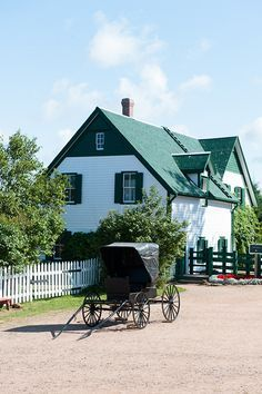 Anne of Green Gables' home ~ Prince Edward Island, Canada Anne Shirley, Oh The Places You'll Go, Places To Visit, Gable House, Anne With An E, Canadian Travel, Atlantic Canada, Prince Edward Island, Dream Vacations