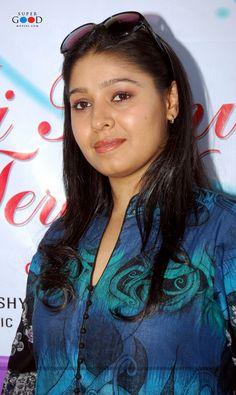 Sunidhi Chauhan Actress Anushka, Bollywood Actress, Sunidhi Chauhan, Vidya Balan Hot, Music Icon, Female Singers, Celebs, Celebrities, India Beauty