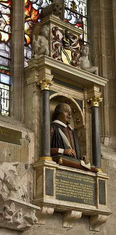 Shakespeare's Memorial - This bust of the Bard, William Shakespeare, was commissioned by his widow and friends in 1623, just 7 years after his death. It was carved by Gerard Jansen and is considered to be a very good representation of how Shakespeare looked. The memorial overlooks his tomb in the chancel of Holy Trinity church in Stratford-upon-Avon.