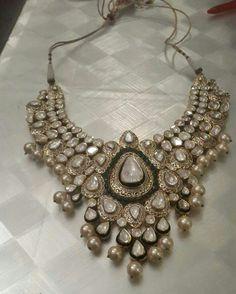 Uncut Diamond Polki and Kundan Necklace Royal Jewelry, India Jewelry, Fine Jewelry, Wedding Jewellery Inspiration, Indian Wedding Jewelry, Bridal Jewellery, Indian Bridal, Pearl Necklace Designs, Bridal Necklace