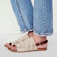 6342413e686 Plus Size Leisure Buckle Casual Flat Roman Sandals - Beige   US size