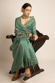 Indian Fashion Dresses, Indian Outfits, Fashion Outfits, Stylish Sarees, Elegant Saree, Saree Look, Indian Attire, Saree Collection, Designer Collection