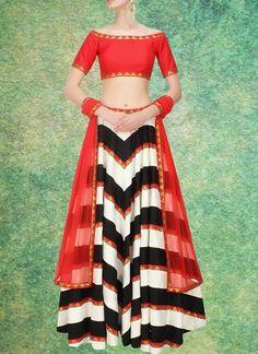 Pakistani Choli Ethnic Bollywood Bridal Wedding Indian wear Lehenga Traditional #KriyaCreation #CircularLehenga