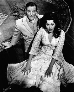 John Wayne & Yvonne De Carlo in McLintock. One of his best movies! Yvonne De Carlo, John Wayne Quotes, John Wayne Movies, Hollywood Stars, Classic Hollywood, Old Hollywood, Laetitia Casta, Claudia Schiffer, Gwyneth Paltrow
