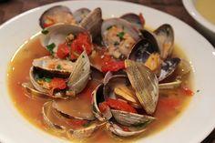 http://www.yoo-eatz.com/Clams-Proven%C3%A7al-Pancetta-Recipe-15748401 CLAMS PROVENCALE