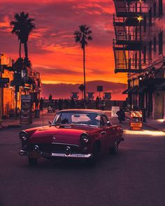 - Venice Beach, California Photo by Venice Beach, Retro Cars, Vintage Cars, Unique Vintage, Wallpaper Carros, California Sunset, Maserati Granturismo, Sunset Wallpaper, Landscape Wallpaper
