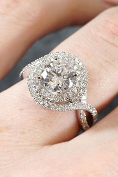 Really Like These Halo Engagement Rings  Haloengagementrings