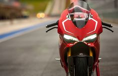 Ducati Panigale R 1199 is the 2nd version of Ducati S. In the name, R stands for Race Replica. Take a look at Ducati Panigale 1199 R Specification and Price.