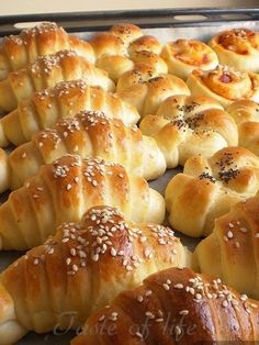 Taste of life: Kiflice sa pavlakom √ Kiflice Recipe, Bread Recipes, Cooking Recipes, Bread Dough Recipe, Savory Pastry, Croatian Recipes, Bread And Pastries, Food And Drink, Dessert Recipes