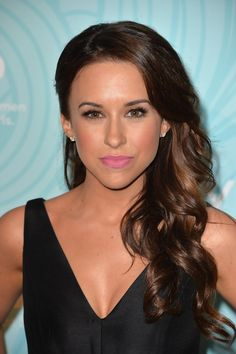 Sarah Jessica Parker Side-swept Hairstyle 2015 Lacey-Chabert-Side-s Side Swept Hairstyles, 2015 Hairstyles, Popular Hairstyles, Pixie Hairstyles, Celebrity Hairstyles, Pretty Hairstyles, Hair Styles 2014, Curly Hair Styles, Katherine Webb