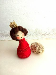 Needle felted queen mini artdoll with her  lamb red by Pupillae