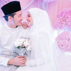 GAMBAR DAN VIDEO NIKAH FATTAH DAN FAZURA Pre Wedding Photoshoot, Wedding Poses, Wedding Attire, Wedding Couples, Malay Wedding Dress, How To Dress For A Wedding, Muslimah Wedding Dress, Muslim Wedding Dresses, Foto Wedding
