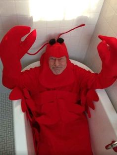 Funny pictures about Sir Patrick Stewart In A Lobster Costume. Oh, and cool pics about Sir Patrick Stewart In A Lobster Costume. Also, Sir Patrick Stewart In A Lobster Costume photos. Costume Halloween, Best Celebrity Halloween Costumes, Happy Halloween, Halloween 2013, Halloween Ideas, Halloween Party, Halloween Humor, Adult Halloween, Spooky Halloween