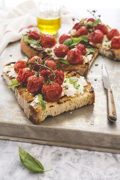 Roasted tomatos Cream Cheesecand Bread