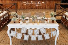 Love the rustic wedding decor! Perfect with the burlap and all at Nikki Beach Cabo! Thank you Cabo Floral Studio for the flowers