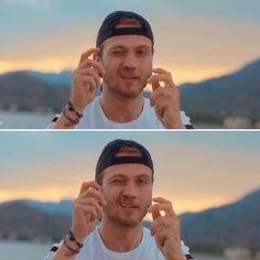 "Aras Bulut İynemli (@aras.iynemli) on Instagram: ""Clickclick. Snap. @iynemliarasbulut @defactoofficial #arasbulutiynemli #iynemliarasbulut"" Turkish Women Beautiful, Second Love, Turkish Actors, Celebs, Celebrities, Best Actor, Bambam, My Idol, Actors & Actresses"