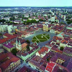 Unirii Square in Timisoara, Romania Timisoara Romania, Visit Romania, Wonderful Places, Amazing Places, Romania Travel, Central And Eastern Europe, Future Travel, Places To See, The Good Place
