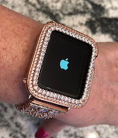 Lab Diamond Princess Cut Rose Gold Apple Watch Bezel Princess Cut in Series 2 Case. iPhone iPad iwatch Bling High End Metal protection Lab Diamond Princess Cut Rose Gold Apple Watch Bezel Princess Apple Watch Band, Rose Gold Apple Watch, Apple Watch Faces, Watch Bands, Apple Watch Series 3, Apple Watch Accessories, Iphone Accessories, Pink Car Accessories, Cool Watches