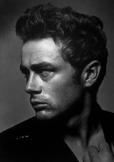 Movie Star James Dean And Swiss Born Actress Ursula Andress. News - The best James Dean Images, Pictures, Photos, Icons and Wallpapers on RavePad! Robert Mapplethorpe, Annie Leibovitz, Richard Avedon, Vintage Hollywood, Classic Hollywood, Hollywood Men, Hollywood Icons, Hollywood Actresses, James Dean Photos