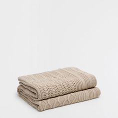 Image of the product PATCHWORK COTTON KNIT BLANKET