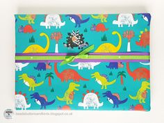 beads buttons & birds: Sparkly Surprise Gift Wrap