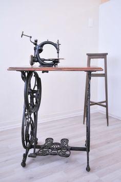 Máquina de coser antigua Macario Jimenez 20 Años