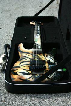 Safari Custom by Spawn Custom Guitars Custom Electric Guitars, Custom Guitars, Spawn, Stuffed Animal Patterns, Bass, Safari, Music, Musica, Musik