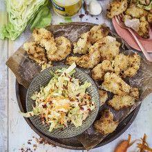 Bild på Fake fried chicken med coleslaw Cole Slaw, Chicken Tikka, Fried Chicken, Potato Salad, Cauliflower, Yogurt, Fries, Food And Drink, Potatoes