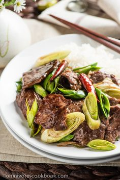 Scallion Beef Stir Fry (葱爆牛肉) - The beef is tender, moist, and caramelized as it cooks in a sweet savory sauce. It takes only 15 minutes to prep and cook!   omnivorescookbook.com