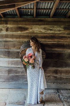 CREDITS Photos Mitch Pohl // Bridal gown Suzanne Harward //