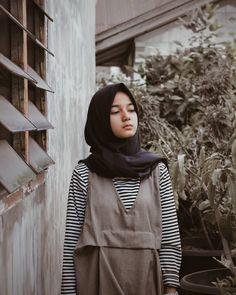 Walk In Bathtub, Bed Bugs Treatment, Indonesian Girls, Girl Hijab, Hijab Chic, Muslim Girls, Beautiful Hijab