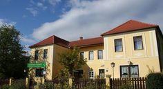 Gästehaus Leopold - #Guesthouses - $54 - #Hotels #Austria #MariaDreieichen http://www.justigo.com.au/hotels/austria/maria-dreieichen/gastehaus-leopold_50354.html