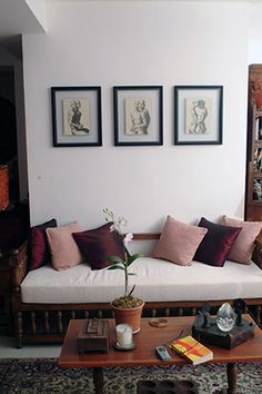 RL Ideas: 5 Ways to use the 2015 Pantone Color of the Year Real Living Philippines Unique Sofas, Indian Interiors, Living Room Sofa Design, Asian Home Decor, Indian Homes, Upcycled Furniture, Diy Furniture, House And Home Magazine, Sofa Set