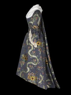 dress - National Maritime Museum circa 1785