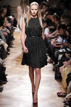 Miu Miu Spring 2009 Ready-to-Wear Fashion Show - Lara Stone (IMG)
