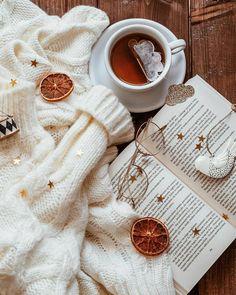#niguls_touch #aztagram #canta #penye #penyeip #toxunma #toxunmacantalar #blogger #knitting #handmade #handmadebags #bags #crochet #сумки #рукоделие #elishi #orgu #вязание #сумкаизтрикотажнойпряжи #�% Cozy Aesthetic, Autumn Aesthetic, Christmas Aesthetic, Coffee Photography, Indoor Photography, Autumn Cozy, Coffee And Books, Embroidery For Beginners, Autumn Inspiration