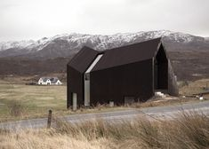 Scottish house by Raw Architecture Workshop has a kinked facade scottish hous, facad, camusdarach sand