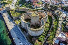 Kilitbahir Castle in Çanakkale, Turkey.   (via Instagram - turkey_home)   #turkey #türkiye #çanakkale #gallipoli #gelibolu #kilitbahircastle #kilitbahirkalesi #fortess #kale #worldheritage