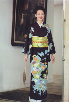 32 Best Kimono Design for Your Formal Occasion Japanese Kimono Dress, Kimono Style Dress, Kimono Fashion, Fashion Dresses, Women's Fashion, Japanese Beauty, Asian Beauty, Japanese Outfits, Japanese Clothing