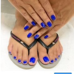 I love women's feet! Blue Toe Nails, Pretty Toe Nails, Toe Nail Color, Feet Nails, Pretty Toes, Feet Soles, Women's Feet, Acrylic Toes, Nice Toes
