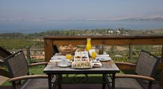 Ramot Resort Hotel Moshav Ramot At the foot of the Golan with a wonderful view of the Sea of Galilee, the Ramot Resort Hotel offers well-equipped rooms and cabins surrounded by green lawns.