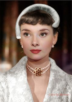 Audrey Hepburn in Roman Holiday (1953) by klimbims.deviantart.com on @DeviantArt