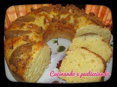 Cucinando e Pasticciando: Ciambellone ricotta e pere con granella di amarett...