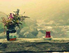 Çay,ruhun kendini dinleme halidir, serde efkar, solda hüzün yudum yudum, duman duman tefekkür… www.muhteva.com ziyaretinizi bekleriz.