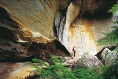 Goregous rock formations in Cania Gorge National Park #bundaberg #nationalparks