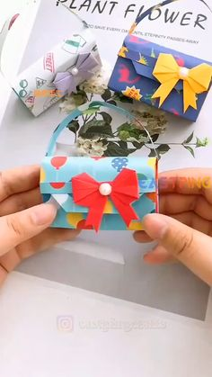 Cool Paper Crafts, Doll Crafts, Diy Crafts Videos, Creative Crafts, Diy Crafts For Kids, Paper Crafts Origami, Origami Art, Easy Origami, Diy Snowman Decorations
