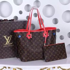 Louis Vuitton NEVERFULL MM M41663 2015 special Christmas edition WITH RECEIPT SummarySpecial Edition for Christmas 2015The Neverfull Monogram takes on an eye-popping allure, with intricate details in colorful Epi leather and engraved metal accents. In its latest incarnation, inspired by ethnic designs, this indispensable tote-about-town makes a fresh, fun fashion statement.12.6 x 11.4 x 6.7 inches (Length x Height x Width) - Monogram coated canvas- Smooth Epi leather handles- Smooth Epi…